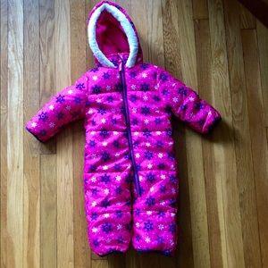 NWOT Baby snowsuit